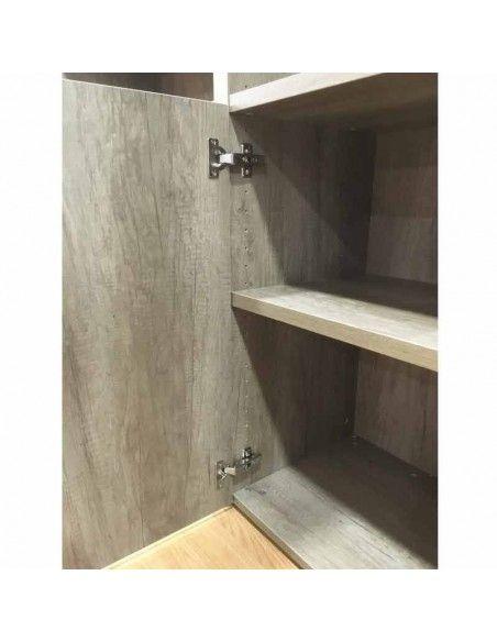 detalle puerta y estante armario alto