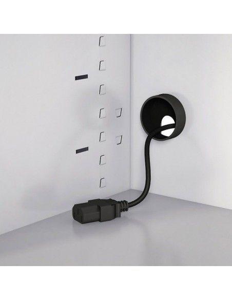 Detalle pasacables para armario con ruedas de Gapsa