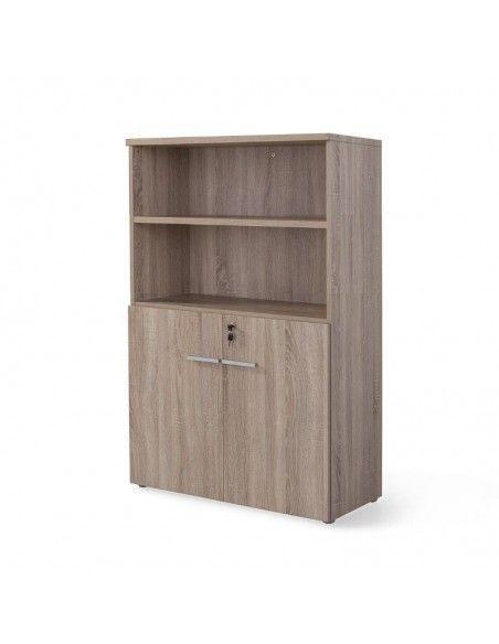 Armario oficina de madera con puertas bajas, cerradura y estantes de JGorbe en color olmo