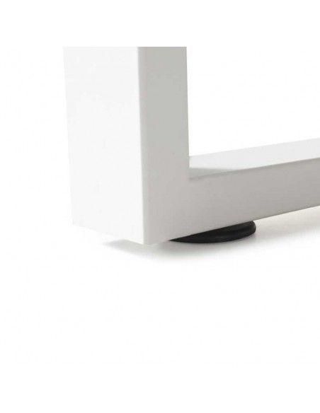Detalle pata metálica de la mesa despacho Skala de JGorbe