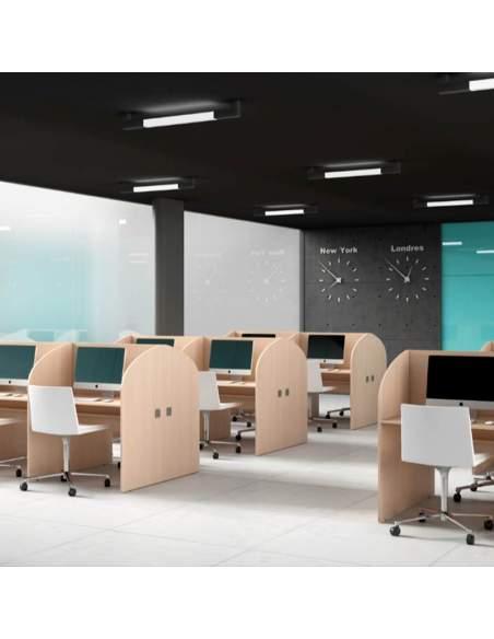 Mesa call center, de un solo color. Con pasacable. Instalación en centro de trabajo de telemarketing.