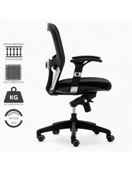 Silla de trabajo ergonómica, modelo Boston. Con malla y asiento reforzados. Tapizada en negra.