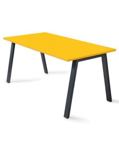mesa despacho color mostaza y negro