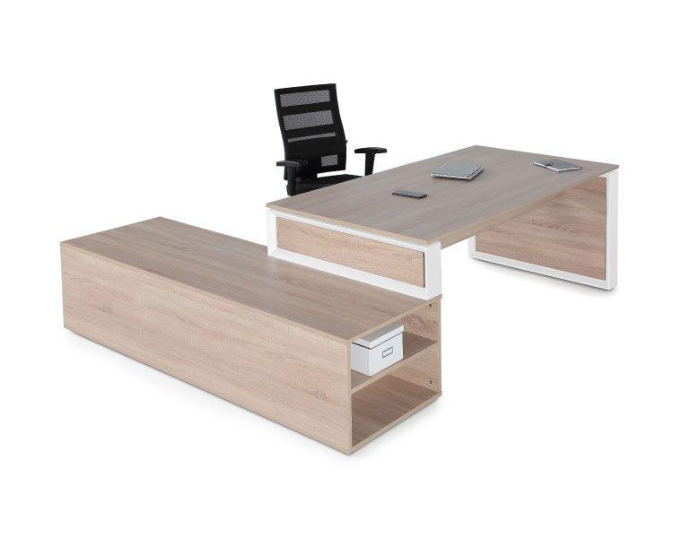 Muebles de oficina. Mesas y sillas de trabajo
